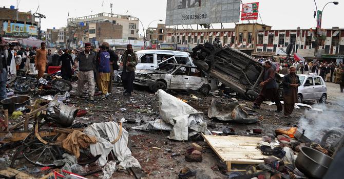 Le marché fréquenté par de nombreux Chiites a été ravagé par une bombe de plus d'une tonne.