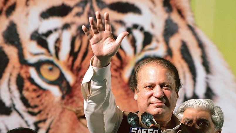"""Nawaz Sharif, le """"Lion"""" à la tête des """"Tigres"""" du parti PML-N en meeting."""