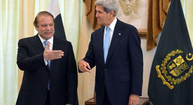 Nawaz Sharif et John Kerry à l'occasion d'une première rencontre.