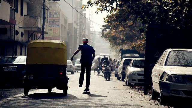 Le skate commence à investir les rues indiennes.