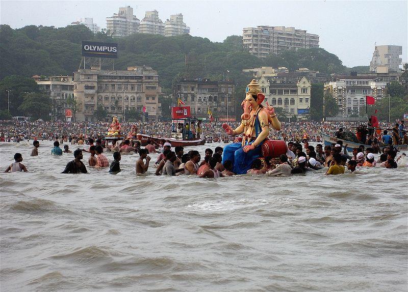 Ganesha Visarjan à Mumbai