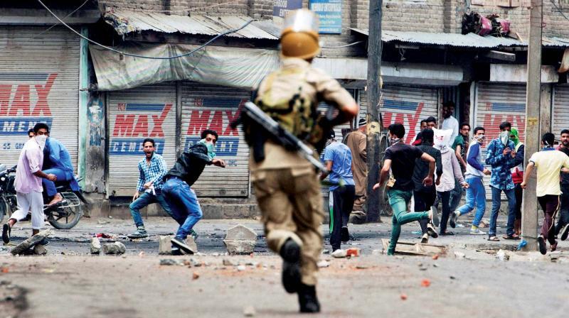 Poursuites des violences au Cachemire